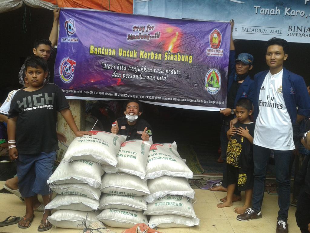 Bantuan Kemanusiaan Untuk Korban Sinabung dari Organisasi Kemahasiswaan STIKOM Medan