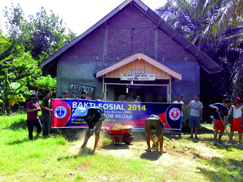 Bakti Sosial PMK Renovasi Gereja